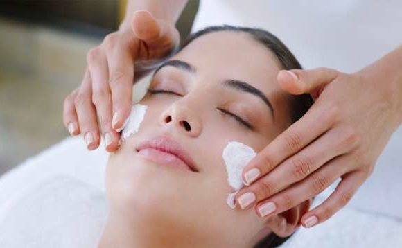 Benefits of Facials and why you should get one every month